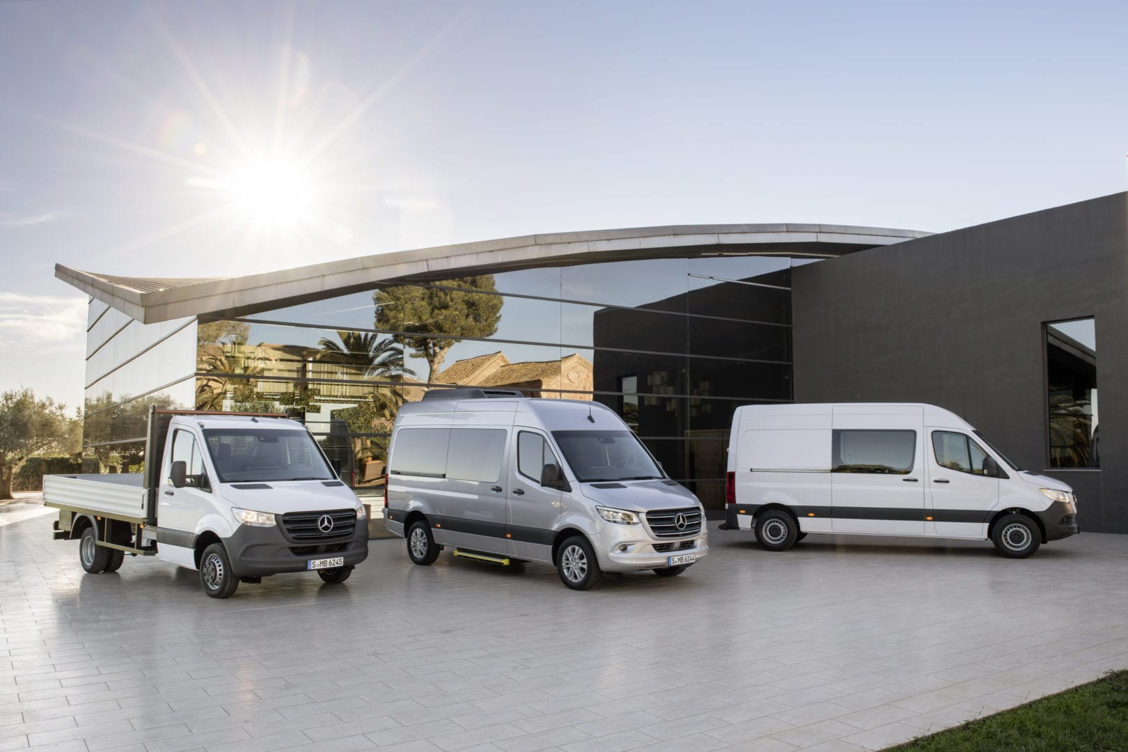 Mercedes benz will debut redesigned sprinter van for New mercedes benz commercial