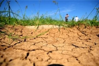 Dry land image