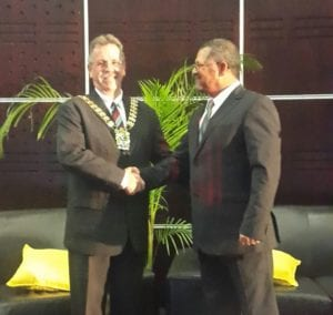 Duncan Daries hands over the IMESA presidency to Gavin Clunnie