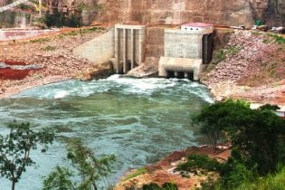 The Laúca Hydroelectric Power Plant, with a power capacity of 2,057 MW, is the largest in Africa (courtesy of Odebrecht)