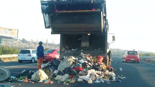 Rubbish scattered over streets of Pretoria as municipal workers' strike continues