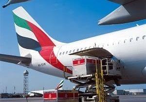 Emirates-SkyCargo-loading