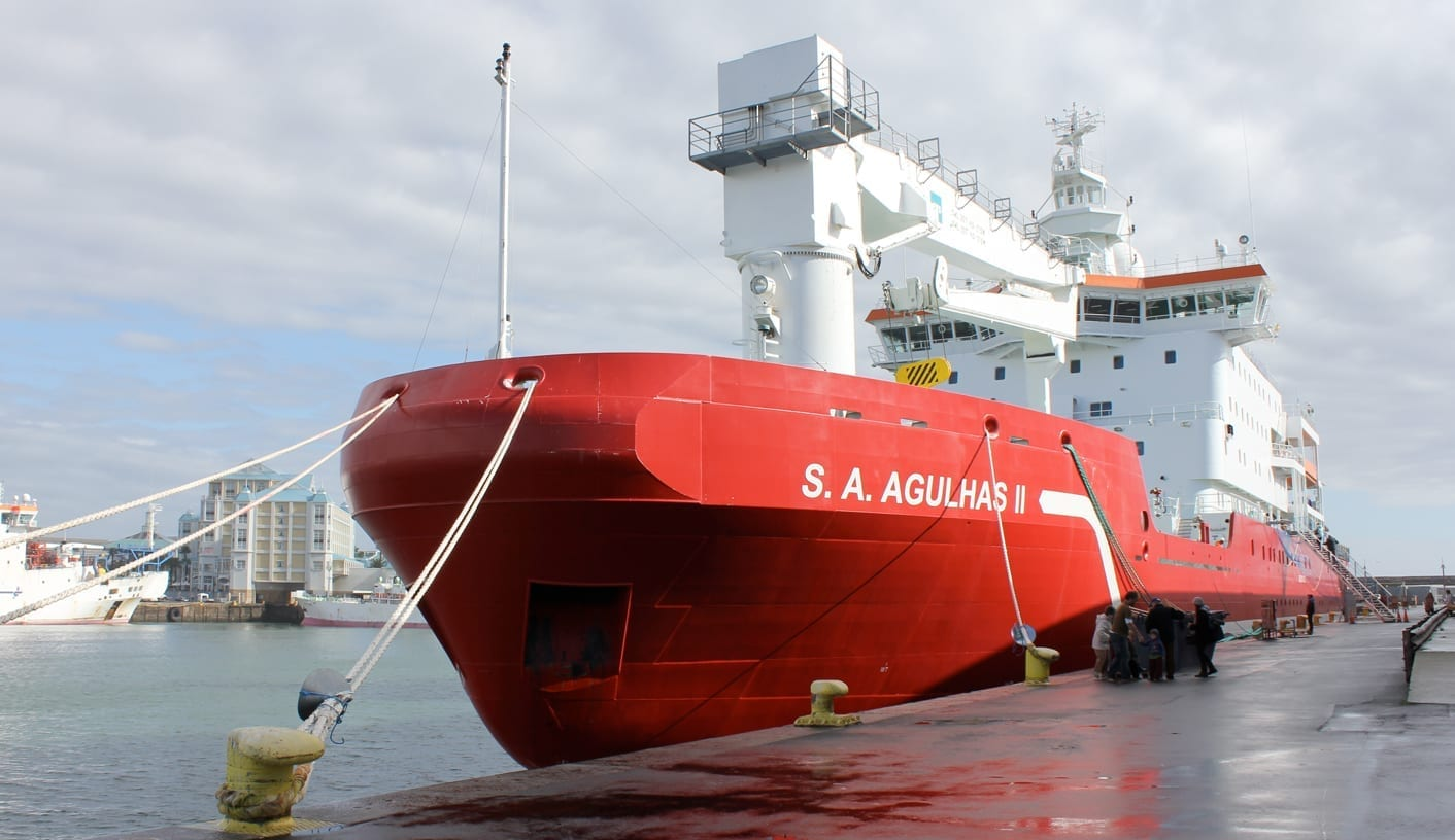 SA Agulhas back in Cape Town