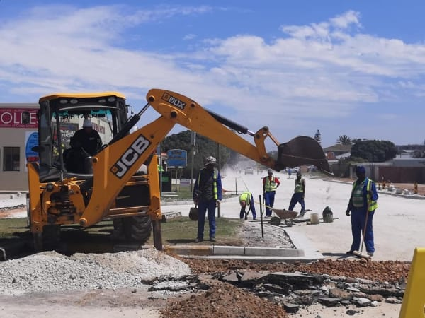 Pilot plastic road completed in Jeffreys Bay